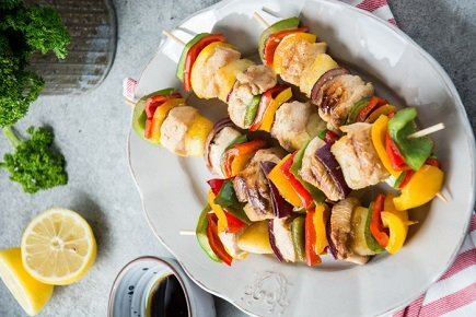 725- Brochettes de Poulet aux Légumes Colorés / Colorful Chicken Skewers