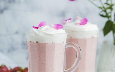 929- Milkshake à la fraise et à l'eau de rose / Strawberry Milkshake with Rose Water