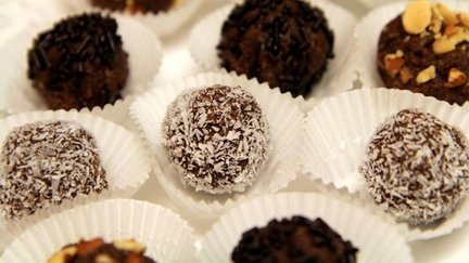 223 – Coconut Chocolate Balls Recipe (Gluten Free & No Bake Cookies)