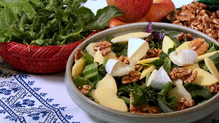 416 – Apple Walnut Salad & Argan Dressing / سلطة التفاح و الجوز صلصة أركان