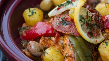 439 – Fish Tagine With Vegetables / طاجين السمك بالخضر