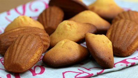487- Honey Madeleines / مادلين بالعسل