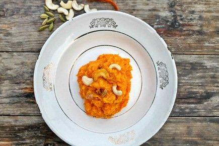 540- Indian Carrot Halwa / حلوى الجزر والهيل