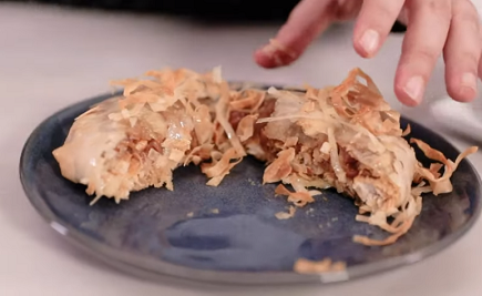 764- Sweet Mini Chicken Pastilla / مينى بسيطلات بالدجاج واللوز
