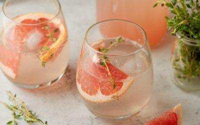 805- Eau Pétillante Infusée au Pamplemousse et Thym / Grapefruit & Thyme Infused Sparkling Water