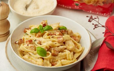 860- Tagliatelles à la sauce Carbonara et Dinde Fumée / Tagliatelle With Carbonara Sauce & Smoked Turkey