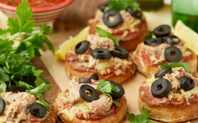 891- Mini Pizzas au Thon / Mini Tuna Pizzas