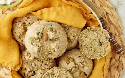 882- Black Olive Cheesy Bread Rolls / خبيزات صغيرة بالجبنة و الزيتون الأسود