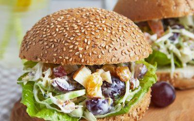 921- Vegetarian Burgers with Raisin and Walnut Salad / برجر نباتي مع سلطة الزبيب والجوز